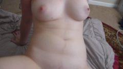 küçük göğüslü zayıf yarrak yalaması güzel genç kız pornosu