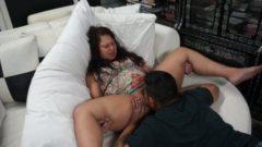 Türbanlı karısını sikemeyen adam vibrator ile işçilik yaptı